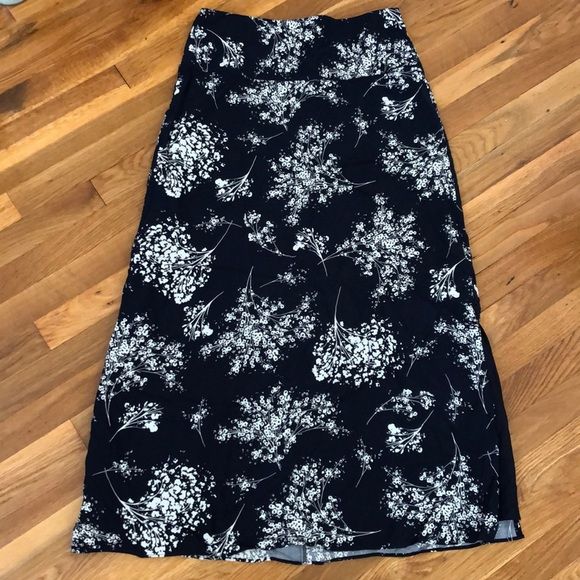 Banana Republic Dresses & Skirts - Banana republic maxi skirt